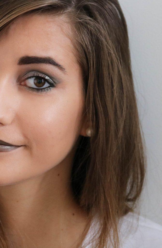 Maquillage vert de gris kaki monday shadow challenge
