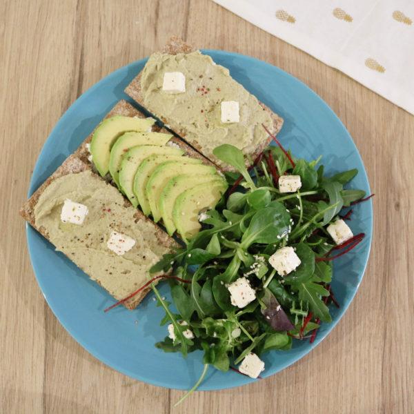 Recette déjeuner rapide et sain, toasts avocat cheese thon
