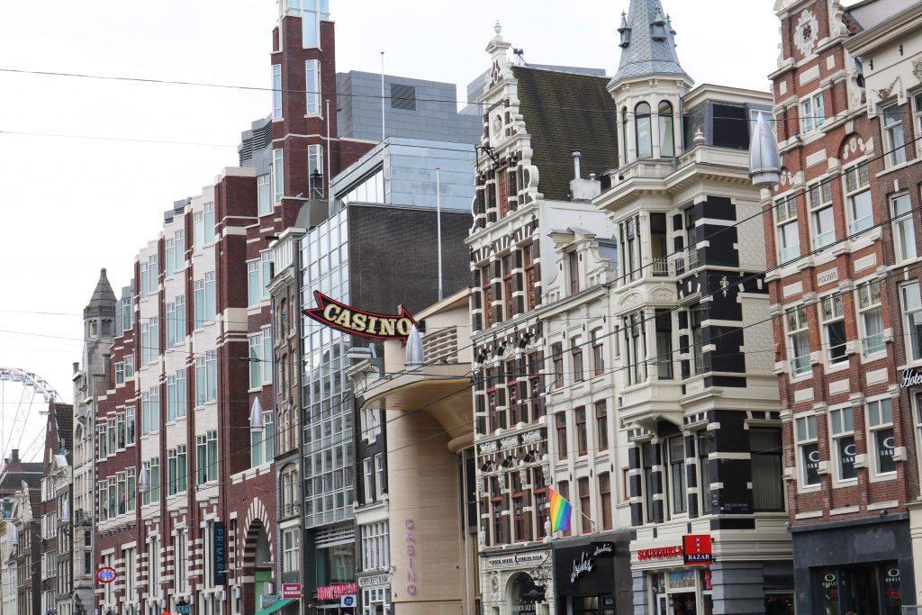 City Guide : Visiter Amsterdam en 4 jours Damrak