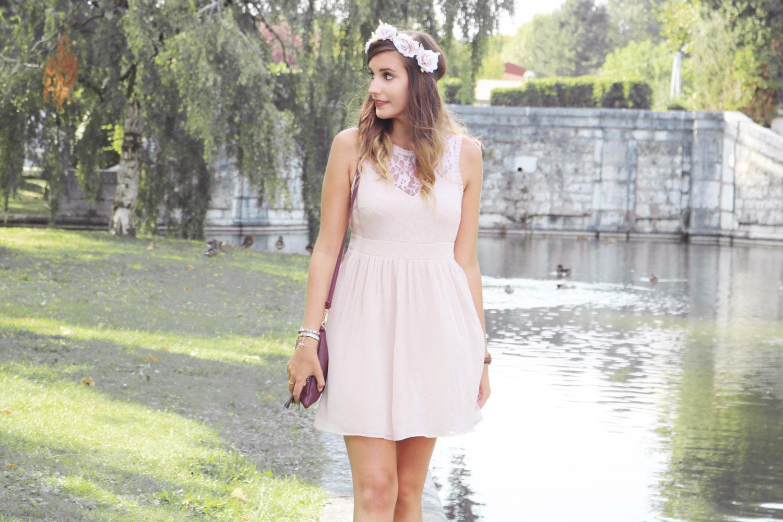Look mode tenue de demoiselle d'honneur rose poudré