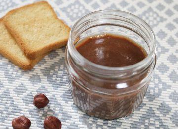 Faire sa pâte à tartiner bio soi-même en 5min avec Tartinades