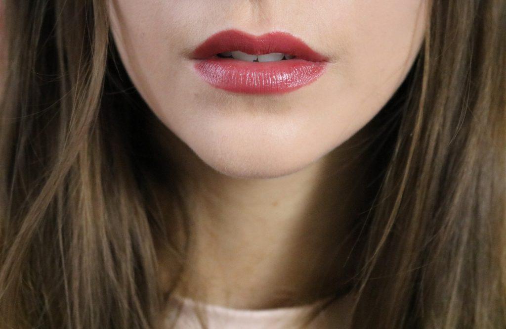 Brun rosé rouge à lèvres repulpant Le Rouge Essentiel de Dr Pierre Ricaud