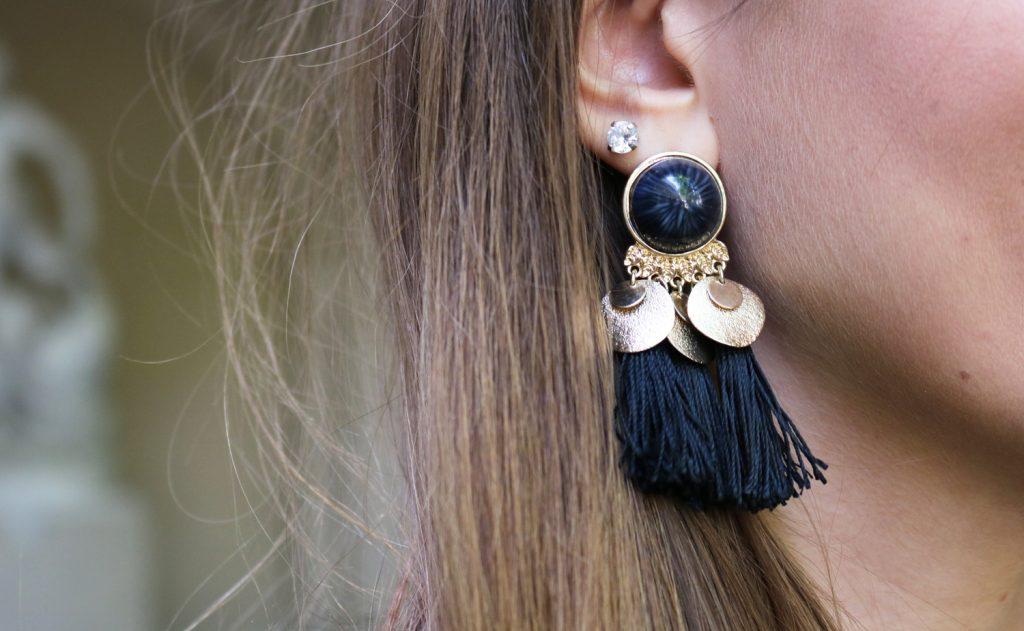 Boucles d'oreilles pompons H&M blog mode lyon
