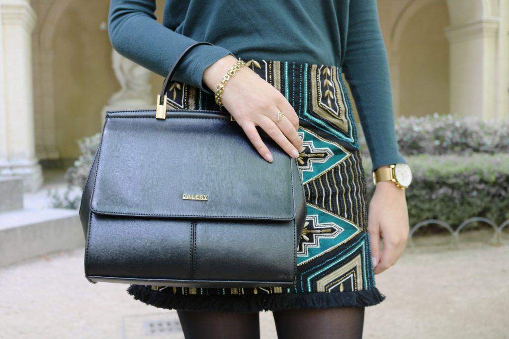 Look jupe brodée et pull vert sapin blog mode lyon