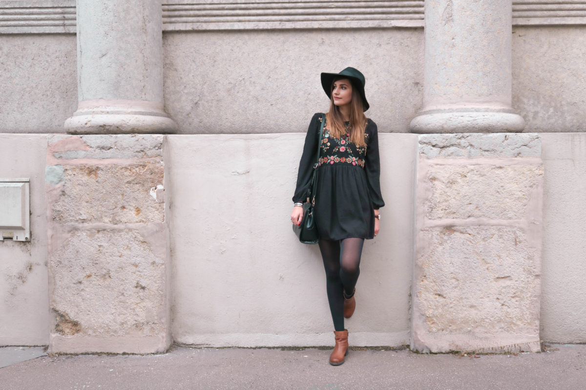 Comment porter une robe courte en hiver ? Blog mode Lyon