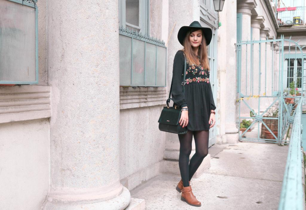 f33dd9e866f LOOK  Comment porter une robe courte en hiver   - A Little Daisy ...