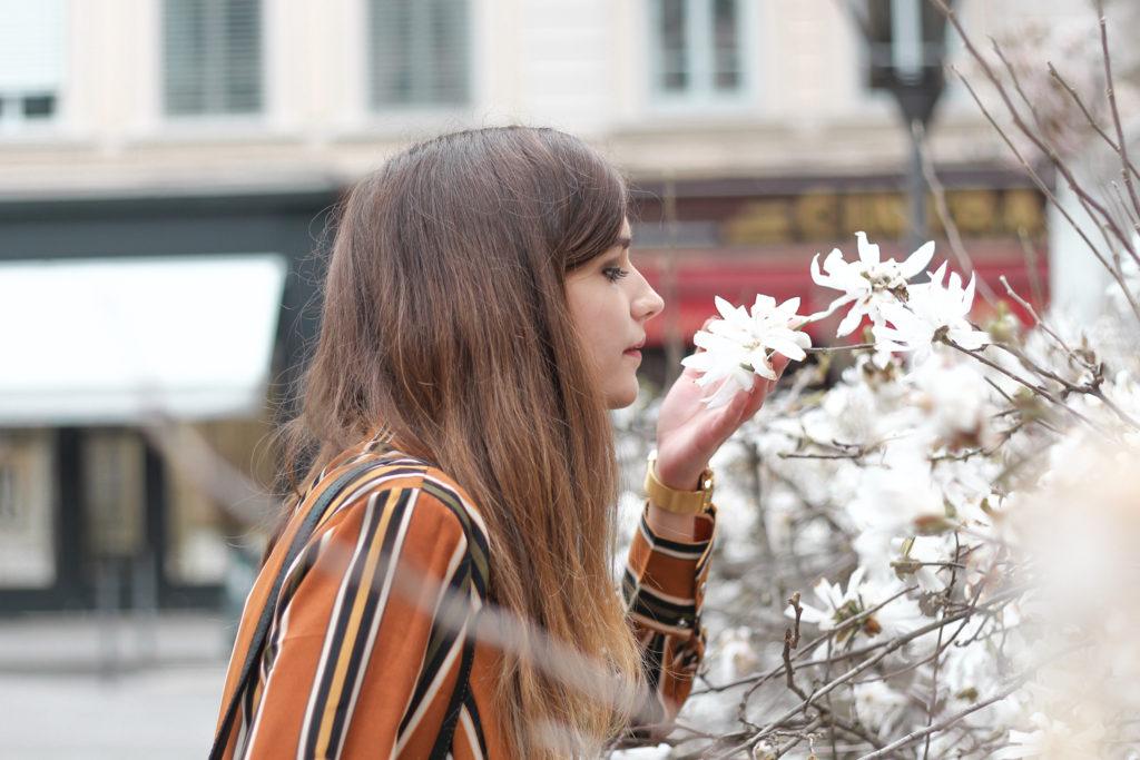 Look mode camel arbre en fleurs Lyon