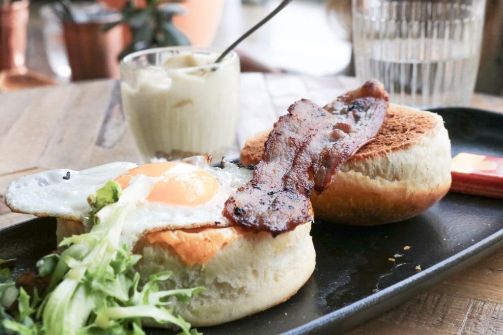 Egg muffin Modjo restaurant coworking Lyon Part dieu