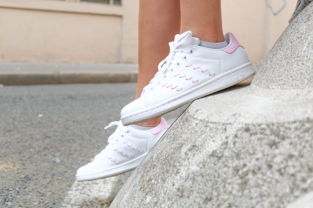 Baskets Stan Smith Adidas broderie zig zag rose