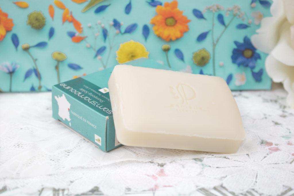 """Shampooing solide """"Sam'shampouine"""" SAMELIE PLANTES Biotyfull Box Mai 2018"""