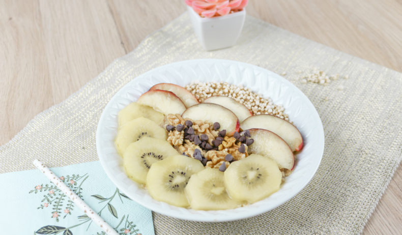 Porridge healthy aux fruits kiwi et nectarine