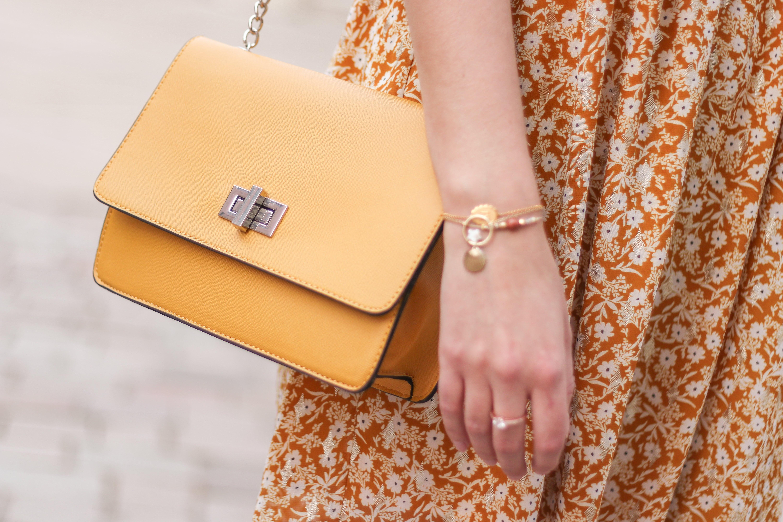 sac a main jaune, sac jaune moutarde, sac jaune camaieu, A Little Daisy Blog, Blog Lifestyle, Blog Lifestyle Lyon, Blog Beauté, Blog Beauté Lyon, Blog Mode, Blog Mode Lyon