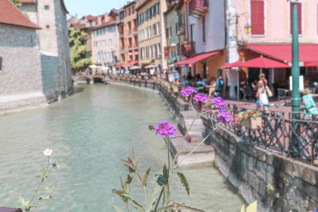 Vieille ville Annecy, visiter Annecy, que faire à Annecy, A Little Daisy Blog, Blog Lifestyle, Blog Lifestyle Lyon, Blog Beauté, Blog Beauté Lyon, Blog Mode, Blog Mode Lyon